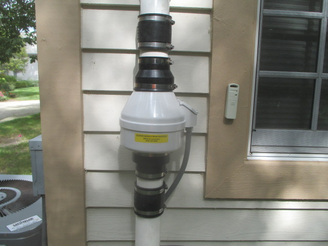 Radon Fan with Rubber Couplings for Noise Reduction
